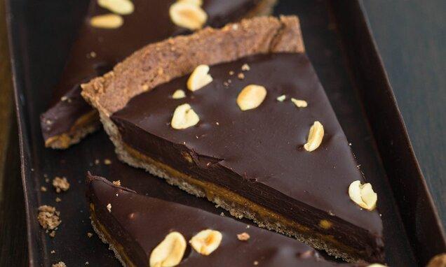 Tarta czekoladowa z masłem orzechowym